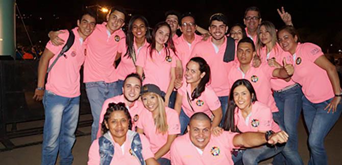 Movimiento Ubuntú llegó al Petronio Álvarez para contagiar de abrazos y mensajes de amor