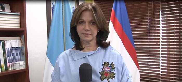Luz Elena Azcarate invita a la comunidad educativa a participar del Petronio