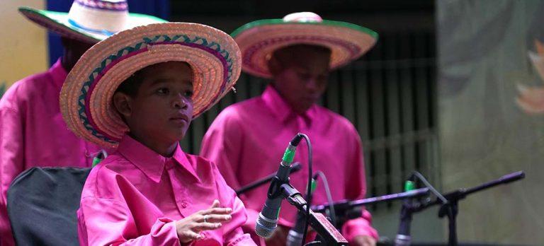 Los Petronitos pusieron su cuota en el festival de música del Pacífico