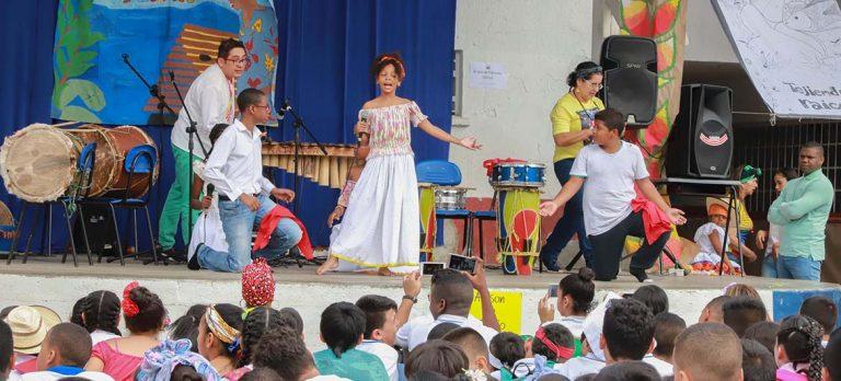Comunidad educativa celebró la Cultura Pacífica