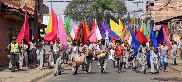 Estudiantes de la IEO San Juan Bautista y comunidad de Puerto Mallarino, vibraron al ritmo del 'Petronito'